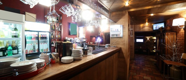 Decorating Your Bar Ceiling