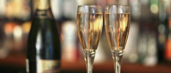5 Top Proseccos to try this year